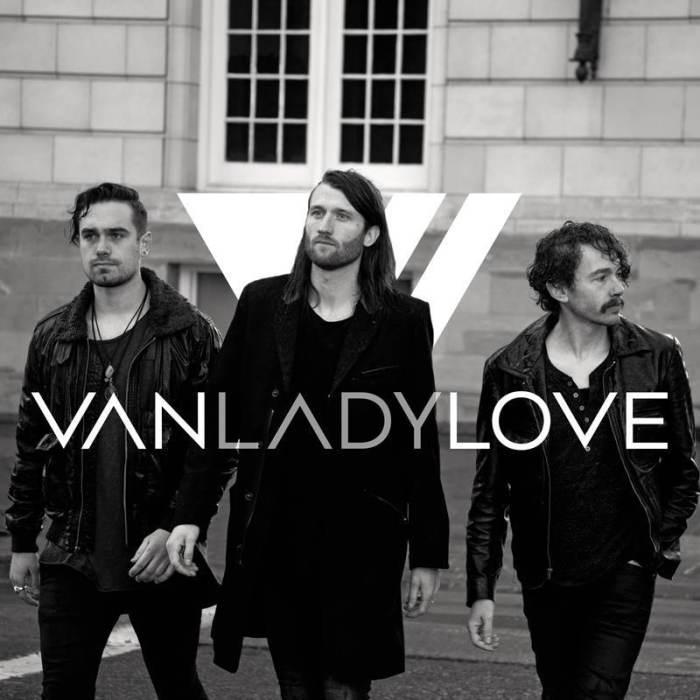 VanLadyLove, Serf & James, Vice Reine