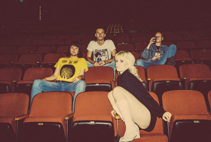 Amyl & The Sniffers (Australia), Nopes, Manback
